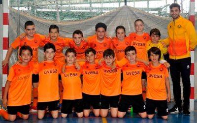 Grupo UVESA ha patrocinado y equipado a 120 niños/as  de la Escuela de Fútbol Sala Ribera Navarra