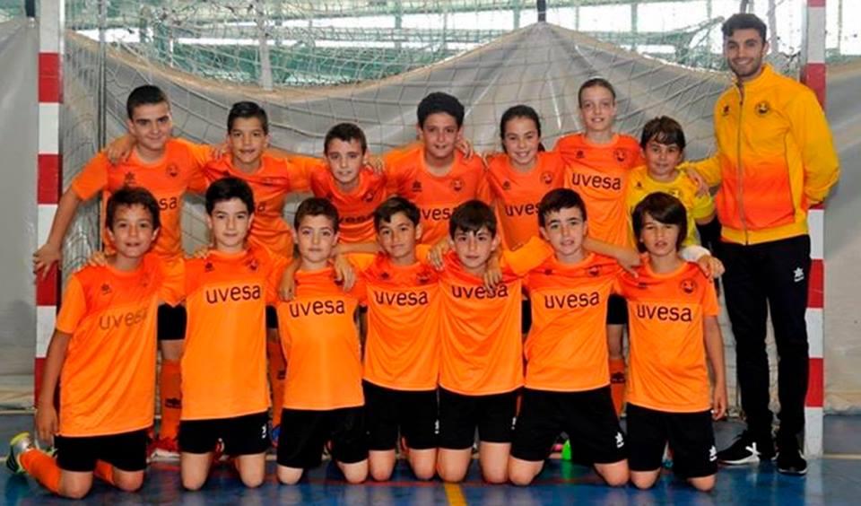 UVESA group has sponsored 120 children from the school of Futbol Sala Ribera Navarra