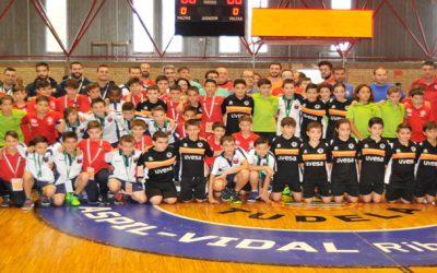 Grupo Uvesa ha patrocinado al equipo Alevín que ha jugado la fase previa del campeonato de España de Futbol sala