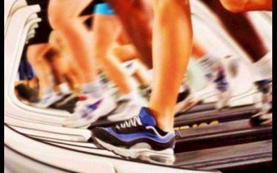 ¿Realmente es bueno correr en cinta?