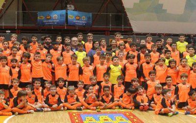 Grupo Uvesa, orgulloso patrocinador oficial de la Escuela de Fútbol Sala Infantil Ribera Navarra por tercer año consecutivo