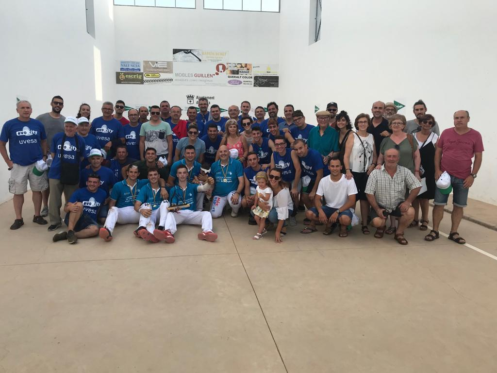 Uvesa orgulloso patrocionador del Club Pilota Ovocity Marquesat