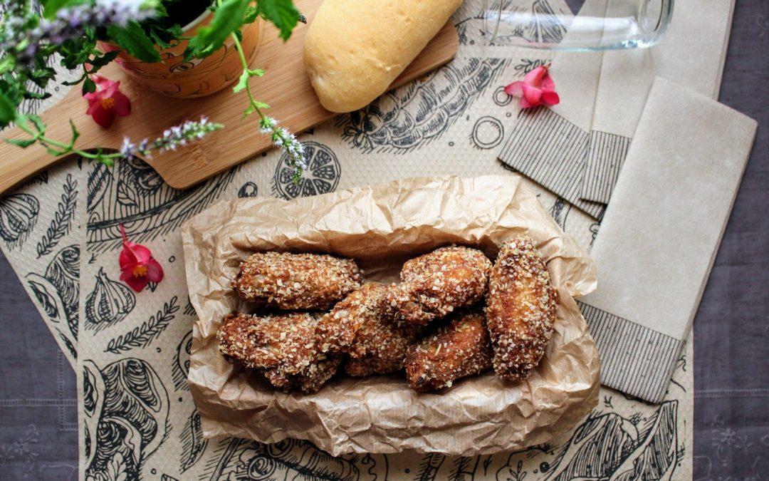 Alitas de pollo fritas estilo Kentucky con rebozado crujiente de copos de avena