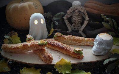Dedos de bruja rellenos de pollo, jamón y queso. Receta de Halloween para niños
